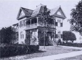 Residence of Willaim George Weichel on Allen Street, Waterloo, Ontario about 1906